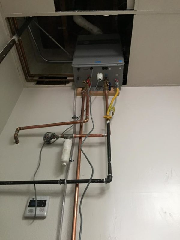 9-4-rheem-tankless-water-heater-for-commercial-use-lake-forest-california