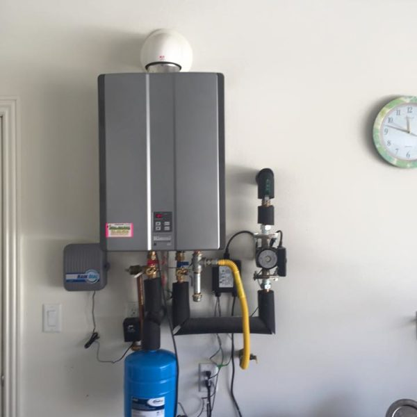 rinnai-tankless-water-heater-with-expansion-tank-and-pump-installed-irvine-california